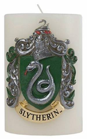 Harry Potter Slytherin Sculpted Insignia Candle af Insight Editions